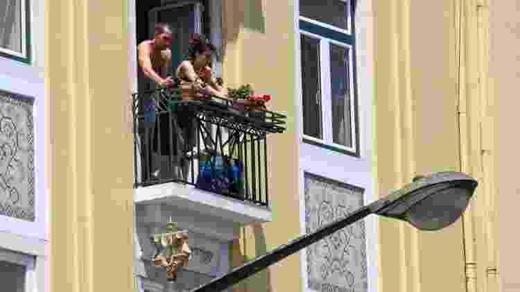 Antes mesmo da quarentena obrigatória, os portugueses já estavam isolados voluntariamente em casa  - Getty Images - Getty Images
