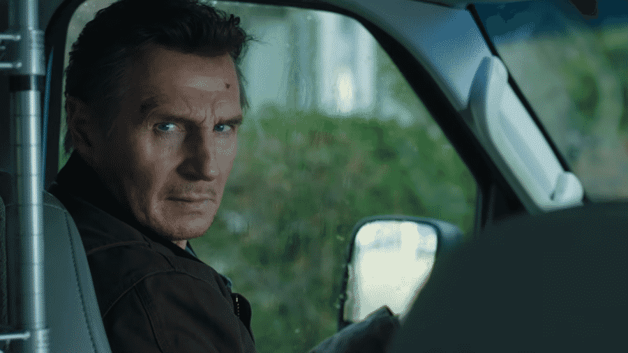 """Liam Neeson em cena do trailer de """"Honest Thief"""" - Reprodução/YouTube"""