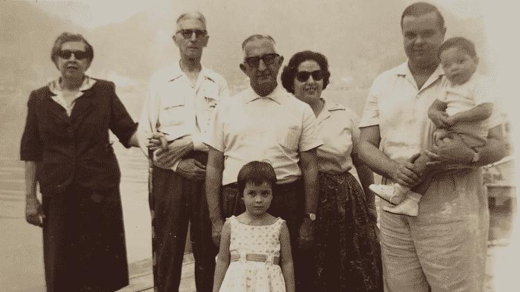 Retrato antigo da família de Vera Sayão - Arquivo Pessoal - Arquivo Pessoal