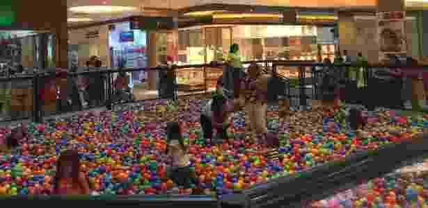 Piscina de bolinhas do Shopping Metropolitano Barra - Divulgação