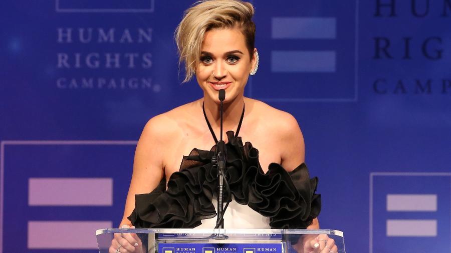 """A cantora Katy Perry, em cerimônia do Human Rights Campaign""""s 2017, em Los Angeles, nos Estados Unidos - Getty Images"""
