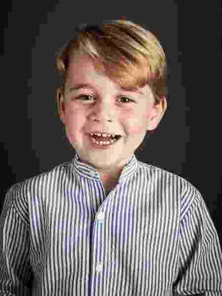 Príncipe George sorri em foto em comemoração ao seu aniversário de quatro anos - Chris Jackson/Kensington Palace