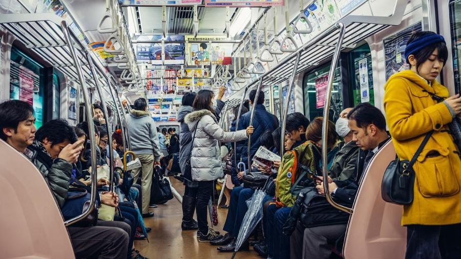 Procurando um assento no metrô em Tóquio? Um app promete ajudar as mulheres grávidas a encontrá-lo - Getty Images