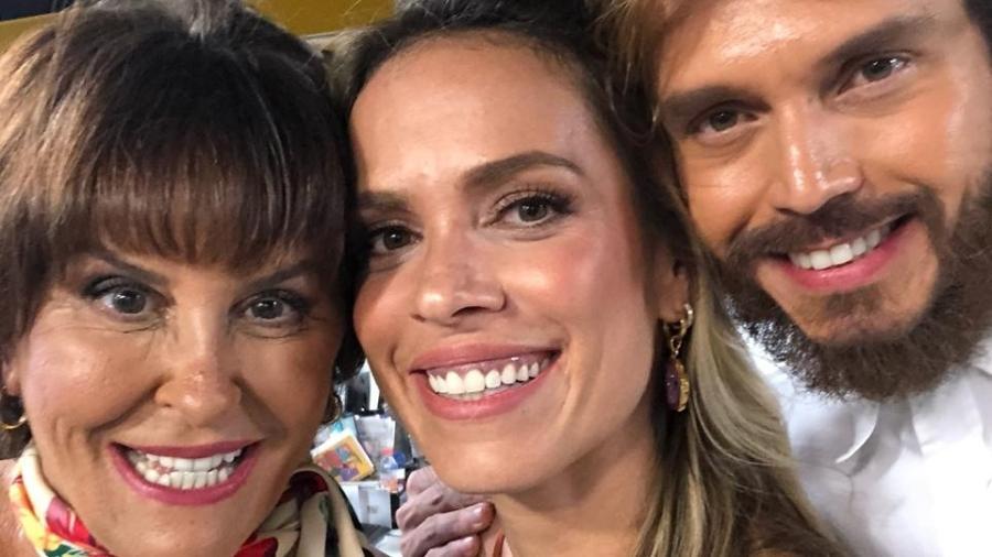 """Marcia Fernandes e os apresentadores do """"Tricotando"""", Lígia Mendes e Franklin David - Arquivo pessoal"""