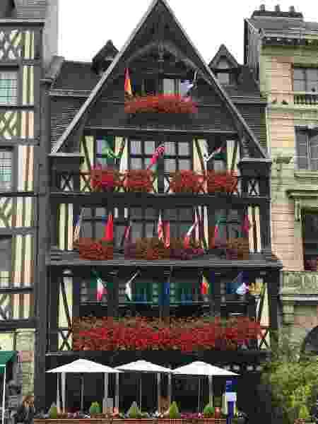 7 La Couronne_Wikimedia Commons restaurantes mais antigos - Wikimedia Commons - Wikimedia Commons