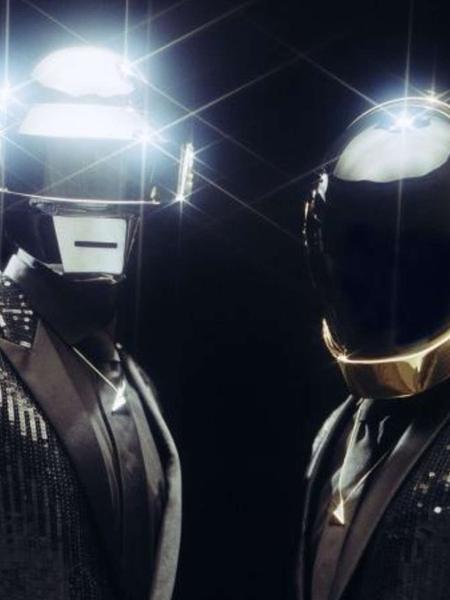 Daft Punk anunciou o fim da dupla hoje (22) - Divulgação / Columbia Records