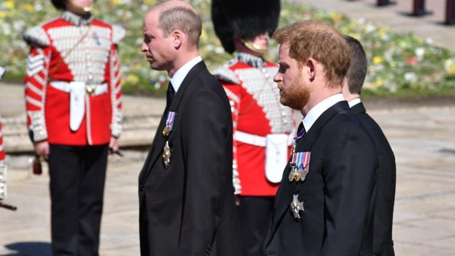 17.abr.2021 - Príncipe William e príncipe Harry durante o funeral do príncipe Philip - WPA Pool / Getty Images
