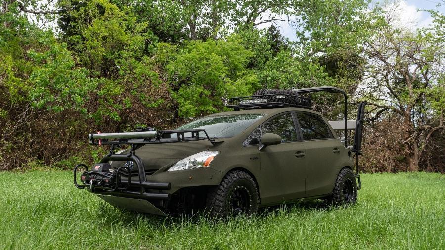 Toyota Prius convertido para veículo de caça - Divulgação
