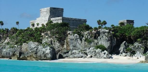 Tulum tem construções históricas sobre o mar do Caribe - Divulgação/Visit Mexico