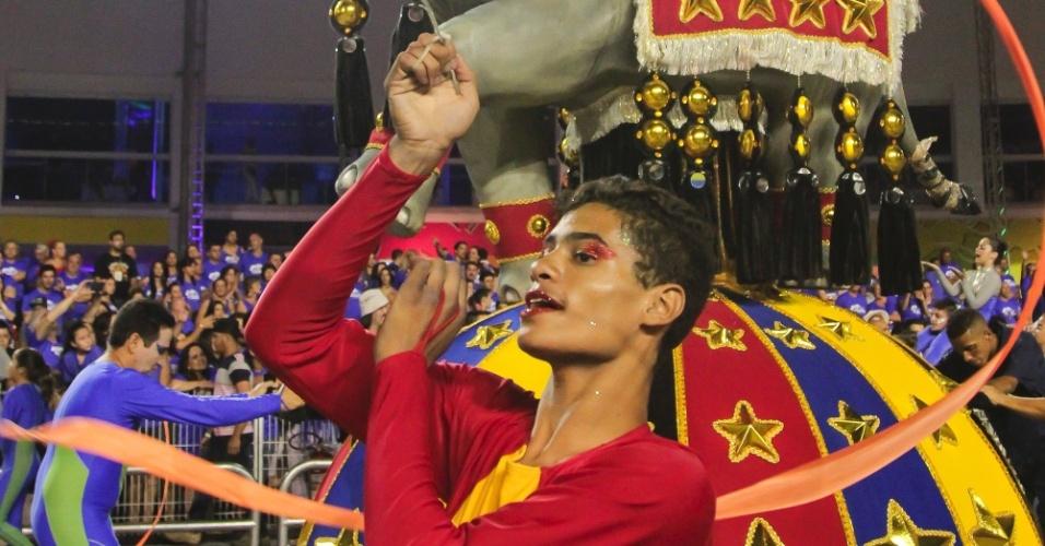 6.fev.2016 - Ala da Nenê de Vila Matilde faz alusão ao circo