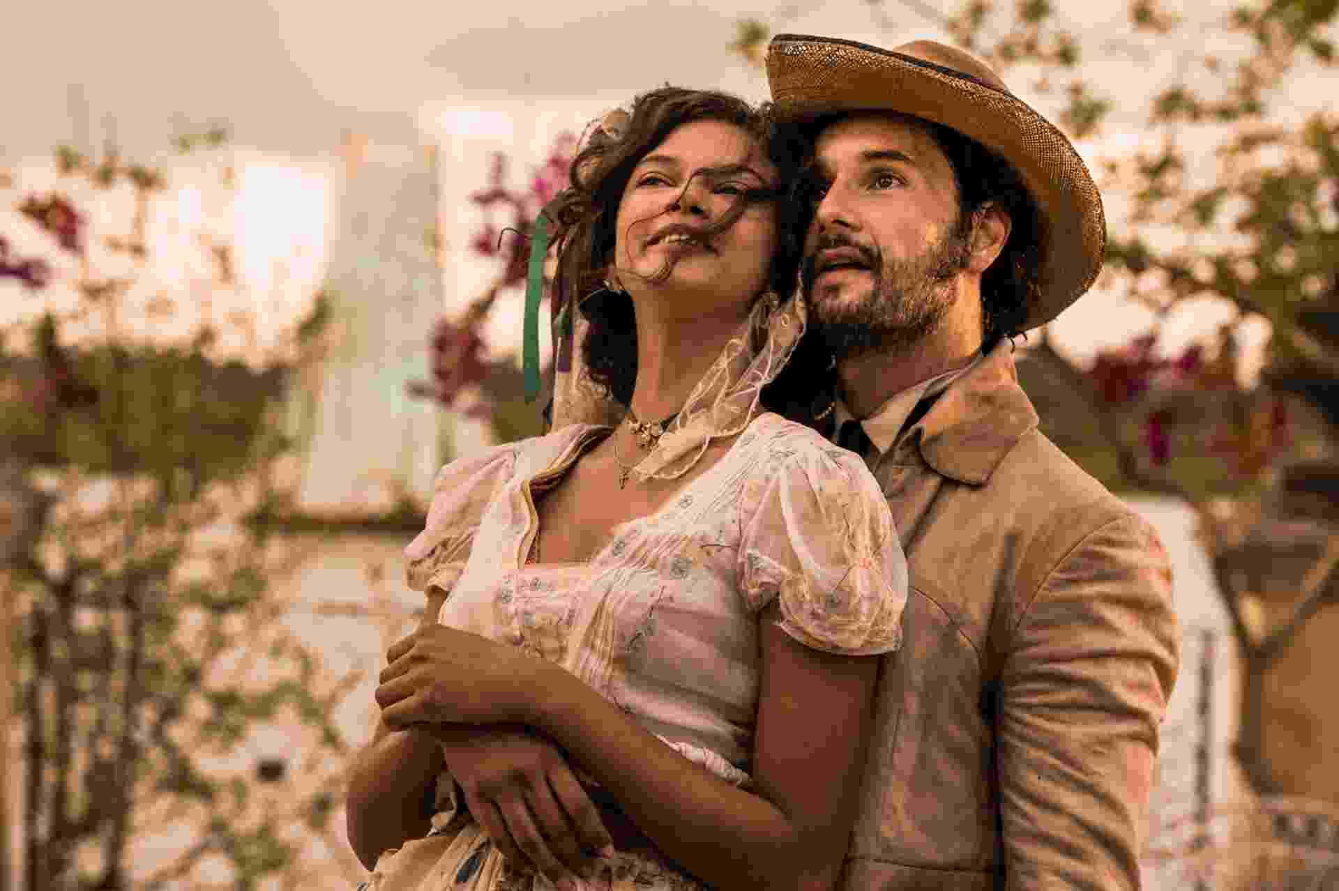 Leonor (Marina Nery) e Afrânio (Rodrigo Santoro) se casam na primeira fase da novela - Cauiá Franco/TV Globo