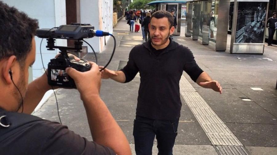"""Cacau Oliver grava o reality show """"O Criador de Celebridades"""" do canal E! - Reprodução/Instagram"""