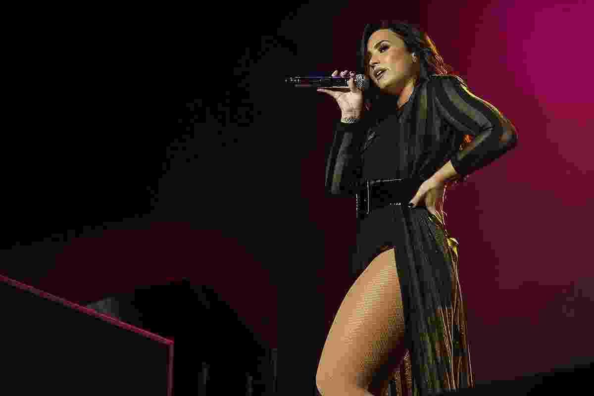 10.dez.2016 - Poderosa, Demi Lovato sensualiza durante show no Z Festival, em São Paulo - Iwi Onodera/Brazil News