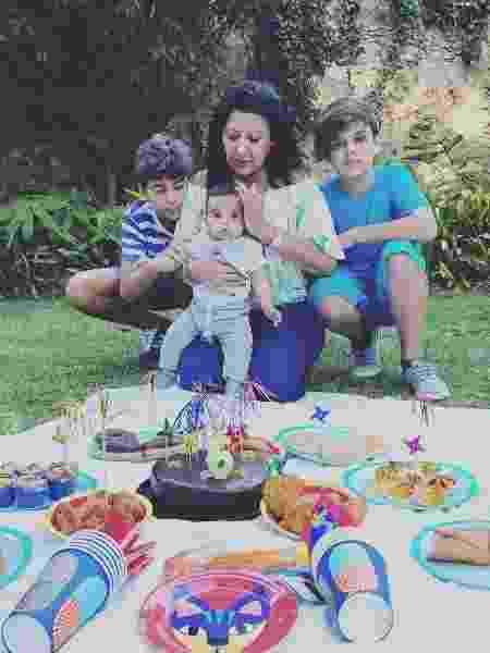 A sogra de Kelly Key com os netos - Reprodução/Instagram - Reprodução/Instagram
