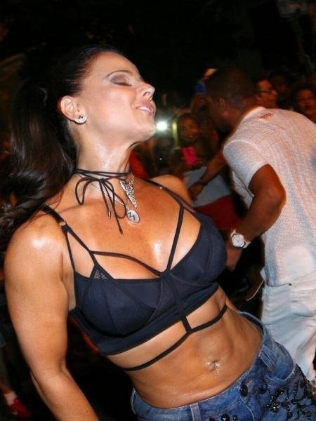Carioca fudendo gostoso can not