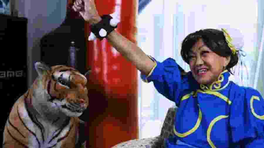 Mesmo aos 70 anos, Shirley Chua adora se vestir como seus personagens favoritos de videogames e anime - Reprodução