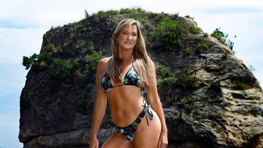 A ex-chacrete Regina Polivalente tem 53 anos e se dedica a malhação e alimentação saudável  - Pawel Lordloj / Divulgação