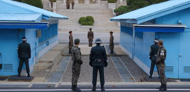 Na Joint Security Area, militares das Coreias do Sul e do Norte ficam frente a frente