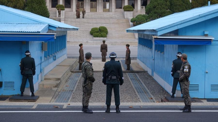 Na Joint Security Area, militares das Coreias do Sul e do Norte ficam frente a frente - Getty Images