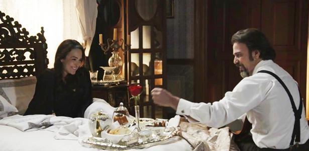 b904e75dc Rainha do Café cede ao amor e ganha até café na cama em
