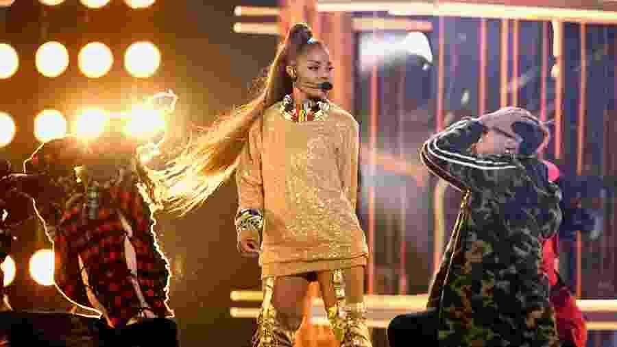 Janet Jackson durante apresentação no Billboard Music Awards, em maio de 2018 - Getty Images