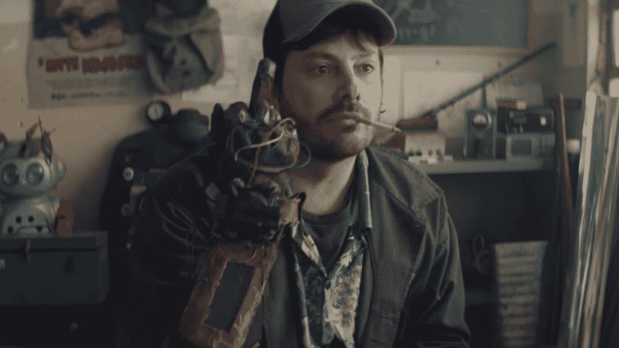 """Danilo Gentili em cena de """"Os Exterminadores do Além"""" - Reprodução"""