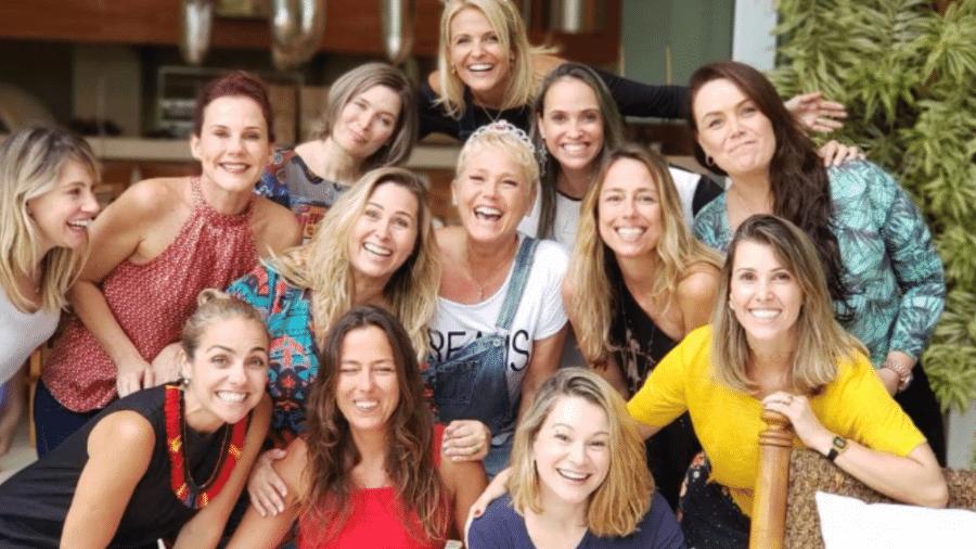 Xuxa Meneghel recebe Paquitas de várias épocas em sua casa - Reprodução/Instagram/xuxameneghel
