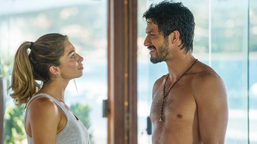 Marcos (Romulo Estrela) e Paloma (Grazi Massafera) em cena de Bom Sucesso - João Cotta/Globo