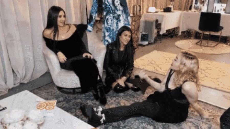 Madonna recebe Kourtney e Kim Kardashian no camarim de seu show em LA  - Reprodução/Instagram