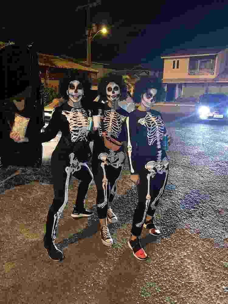 Arquivo pessoal - Lore Improta curtindo Carnaval de Salvador disfarçada