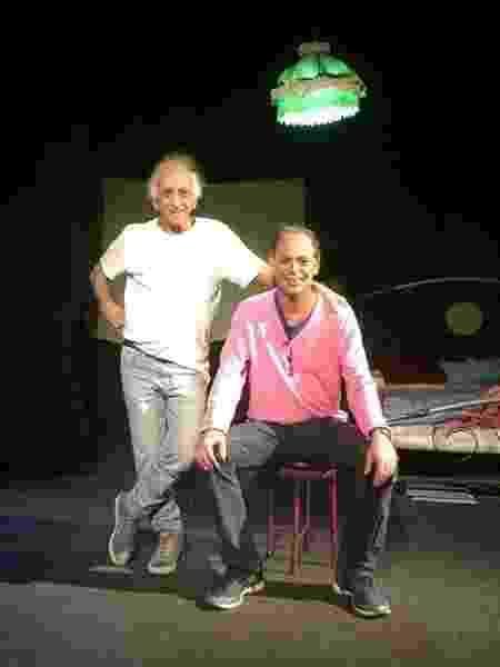 Jornalista Marcelo Migliaccio ao lado do pai, o ator Flávio Migliaccio - Reprodução/Facebook