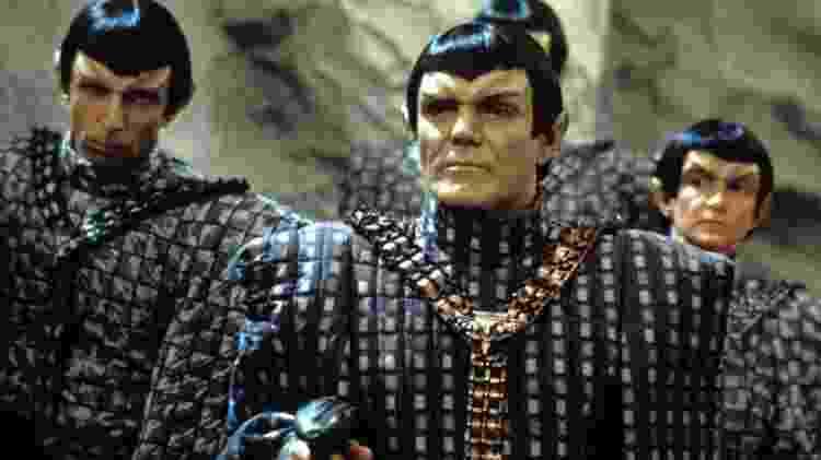 Maurice Roeves (à frente) como um capitão romulano em 'Star Trek: A Nova Geração' - CBS Photo Archive/Getty Images - CBS Photo Archive/Getty Images