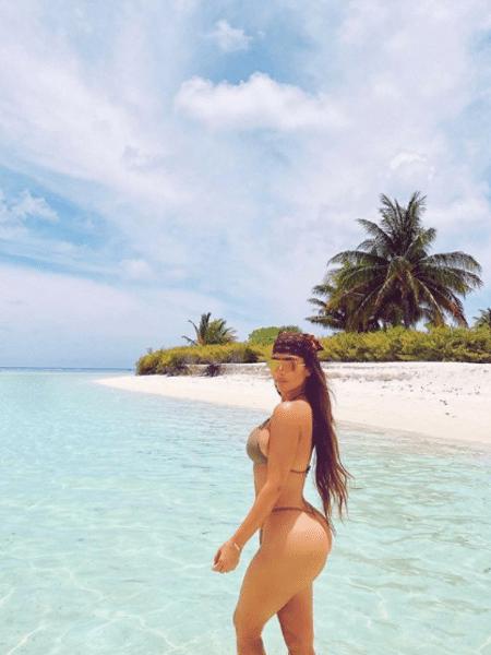 """Kim está sendo comparada a Maria Antonieta: """"não tem uma vida normal? Alugue uma ilha privada""""  -"""