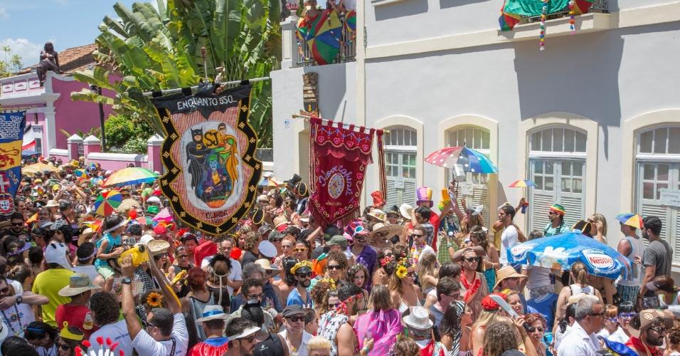 7.fev.2016 - Bloco Enquanto Isso na Sala de Justiça arrasta multidão em Olinda (PE)