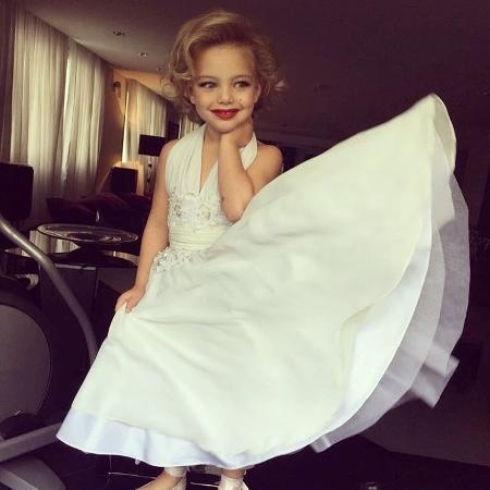 Sheila Mello publicou uma foto da filha, Brenda, fantasiada de Marilyn Monroe para sua festa de quatro anos - Reprodução/Instagram/sheilamello