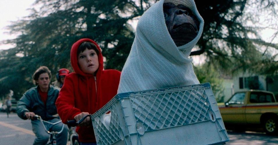 "Cena de ""E.T.: O Extraterrestre"" (1982) de Steven Spielberg"