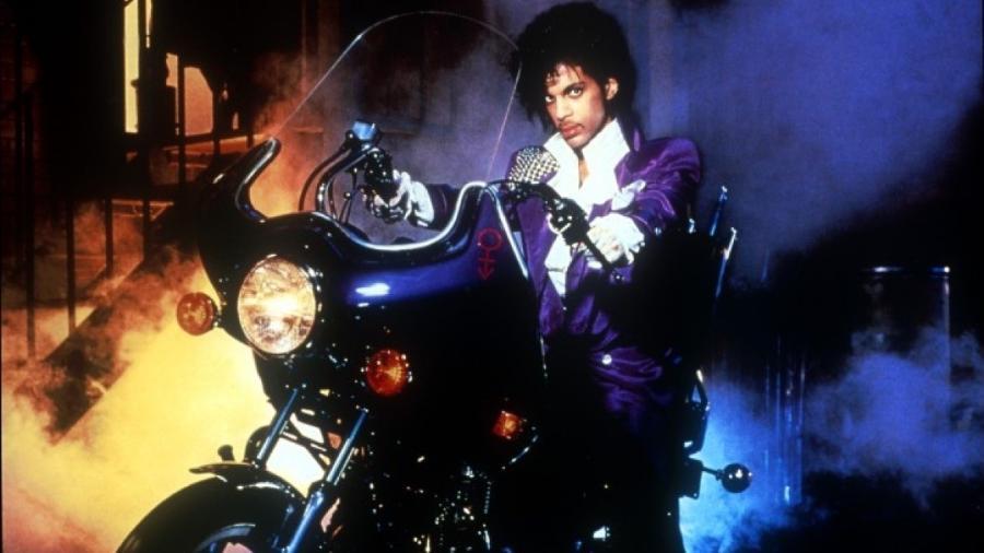 """Prince em cena de """"Purple Rain"""" - Reprodução"""