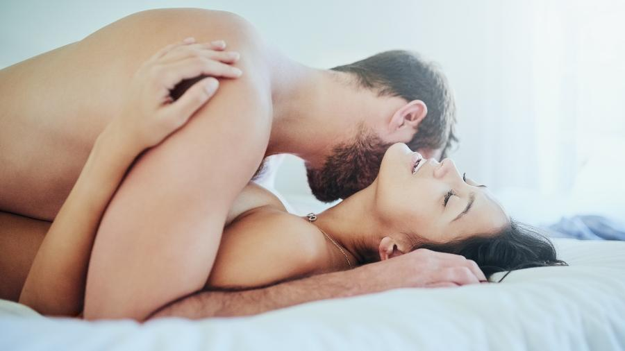casal sexo cama - Getty Images