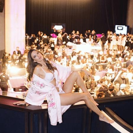"""Bastidores do Victoria""""s Secret Fashion Show em Xangai, na China - Reprodução/Instagram"""
