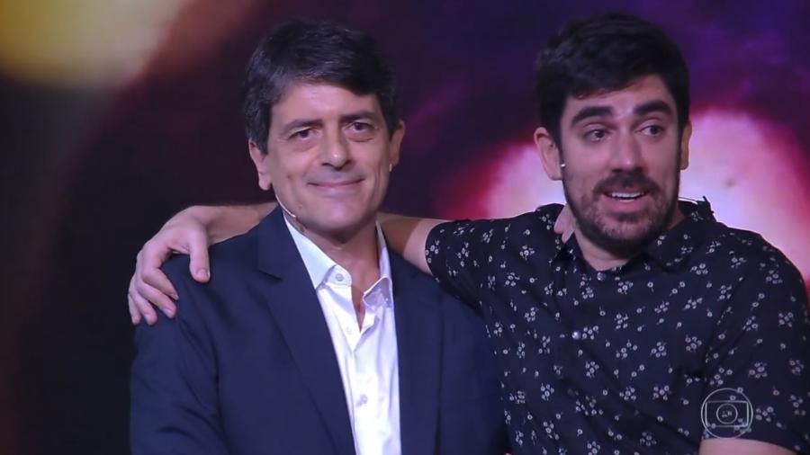 """Marcelo Adnet com o pai no programa """"Tamanho Família"""" - Reprodução/Globo"""