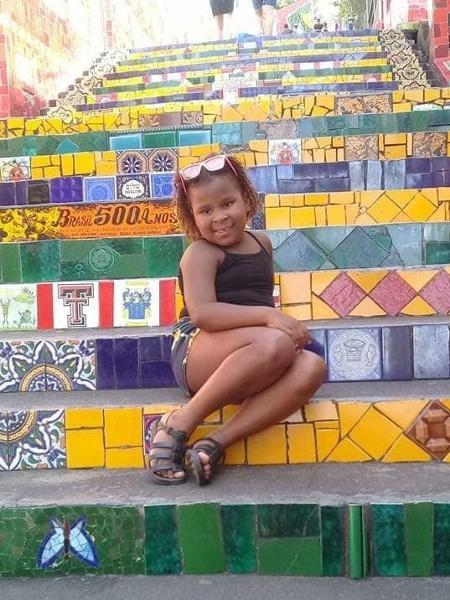 Adrielly Pacheco, de 8 anos - Reprodução/Facebook