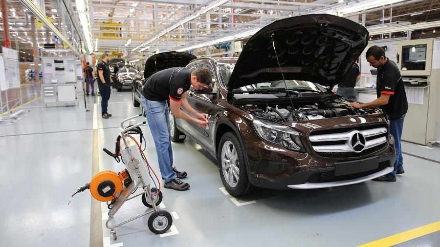 Linha de montagem da Mercedes-Benz em Iracemápolis (SP); empresa fechou fábrica no fim do ano passado - Divulgação