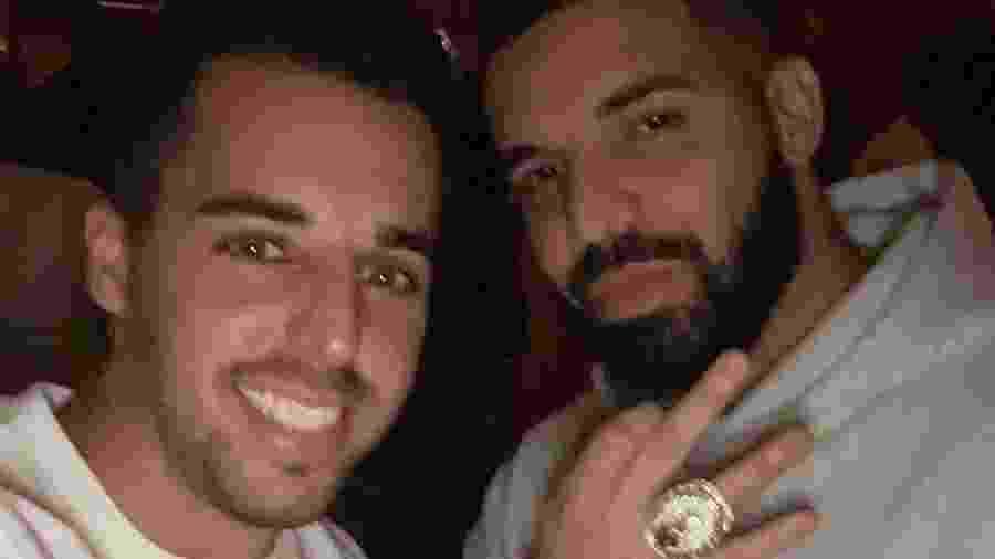 Drake com seu anel de diamante - Reprodução/Instagram