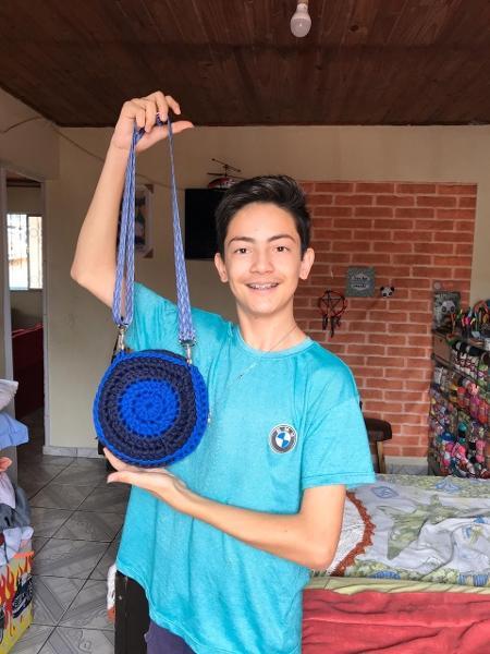 Junior Crocheteiro, como é conhecido, reúne 600 mil seguidores em suas redes  - Arquivo Pessoal