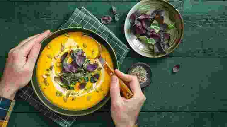 Sopa com verduras - iStock - iStock