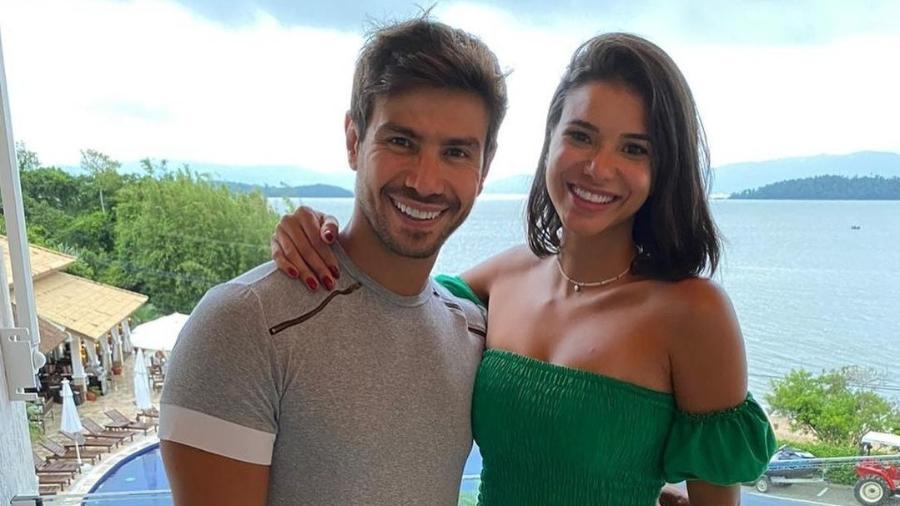 """Mariano e Jakelyne Oliveira se conheceram durante """"A Fazenda 12"""" - Reprodução/Instagram"""