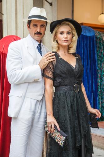 30.dez.2015 - Sandra (Flavia Alessandra) e Ernesto (Eriberto Leão) em