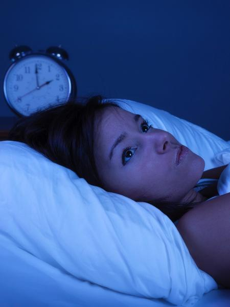 Segundo pesquisador, as pessoas precisam de sete a nove horas de sono - iStock