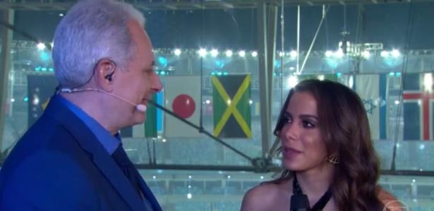 """5.ago.2016 - Após cantar na cerimônia de abertura da Olimpiáda, Anitta concede entrevista ao """"Jornal da Globo"""" - Reprodução /TV Globo"""