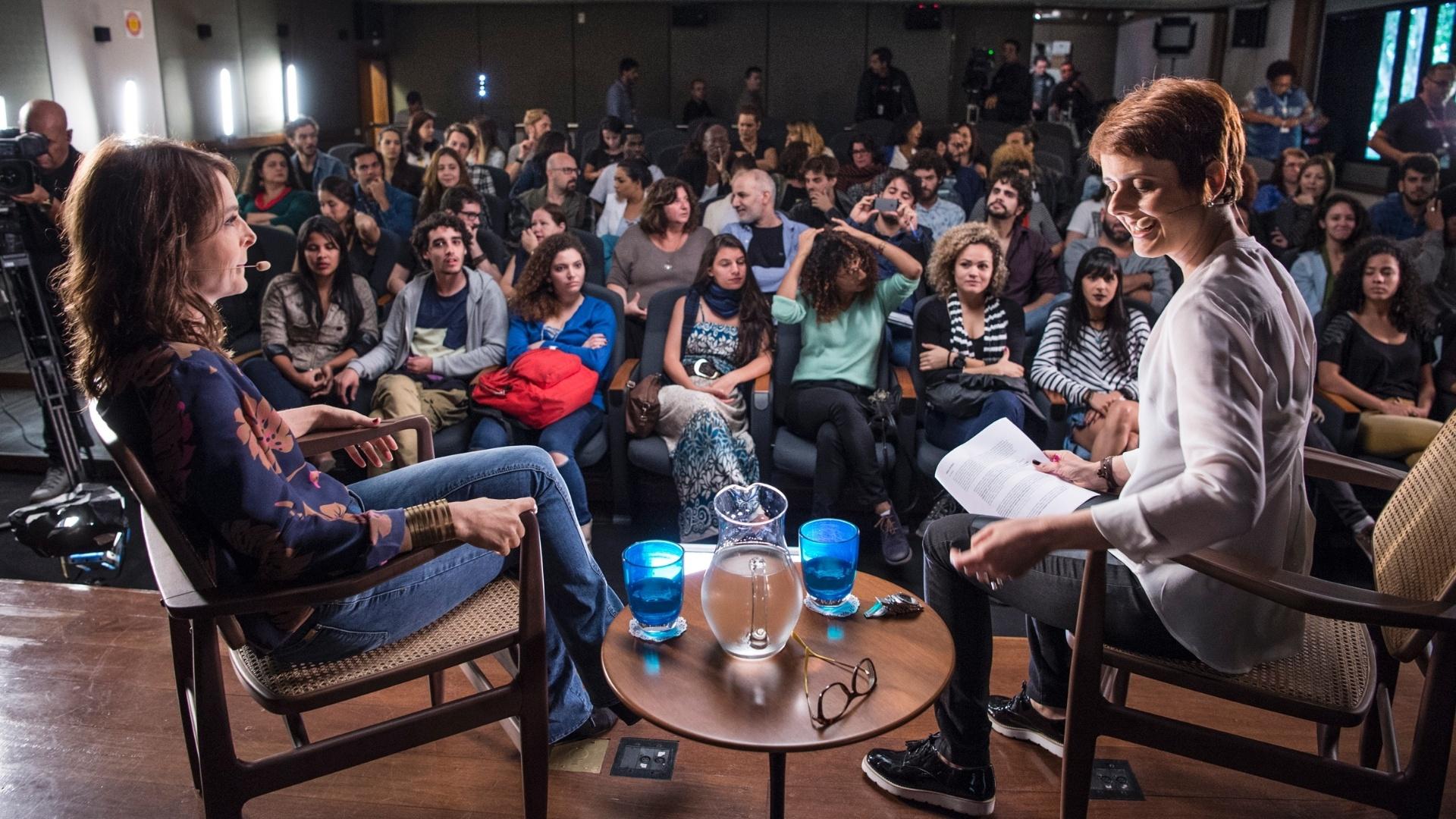 Estudantes lotaram a plateia para prestigiar a entrevista de Drica Moraes a Bianca Ramoneda no